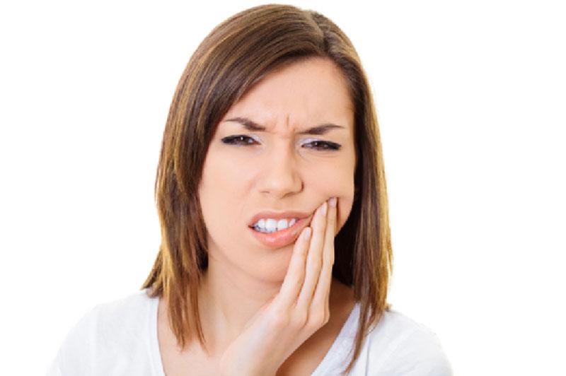 Как избавиться от боли в зубах в домашних условиях